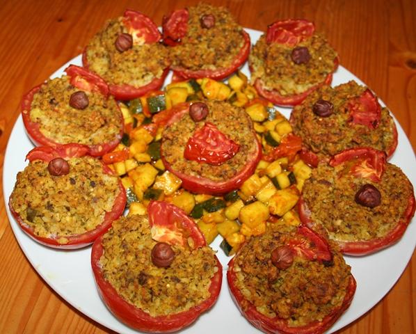 Tomates farcies au millet et noisettes